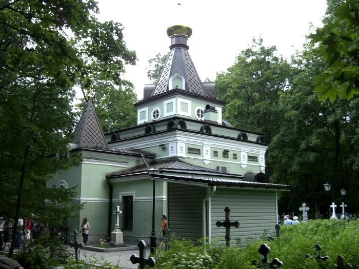 chasovnja-ksenii-peterburgnskoj