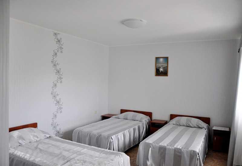 Гостиница Лето